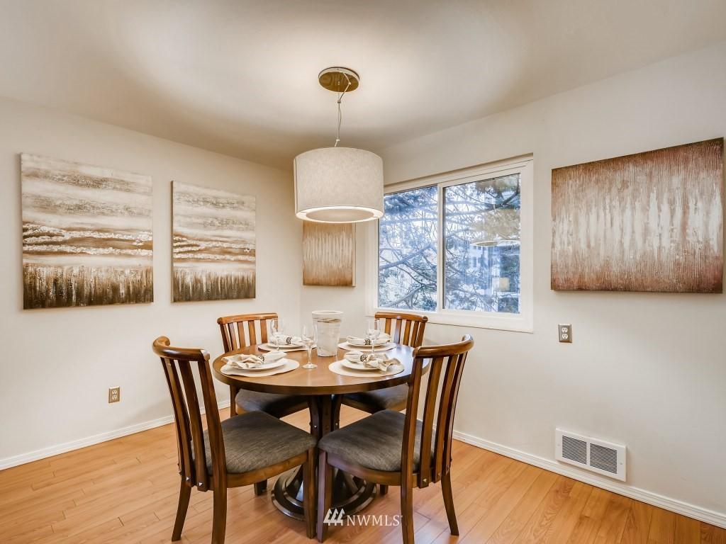 Sold Property   415 Summit Avenue E #2 Seattle, WA 98102 4