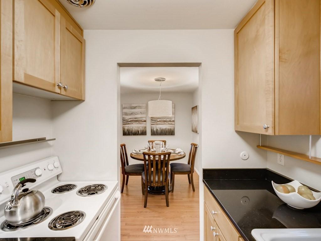 Sold Property   415 Summit Avenue E #2 Seattle, WA 98102 9