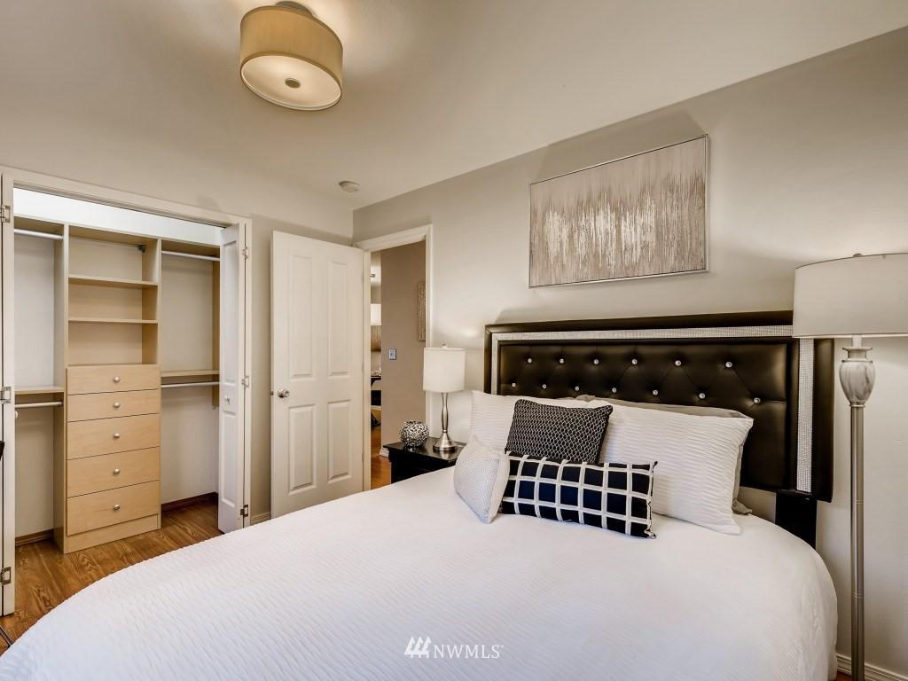 Sold Property   415 Summit Avenue E #2 Seattle, WA 98102 10