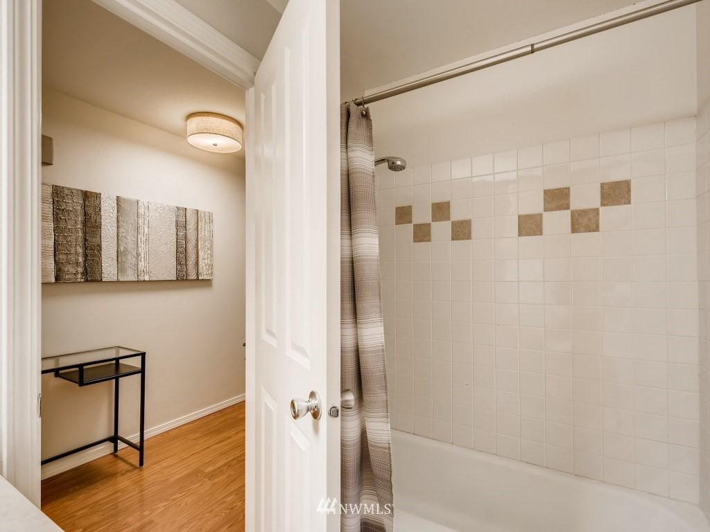 Sold Property   415 Summit Avenue E #2 Seattle, WA 98102 13