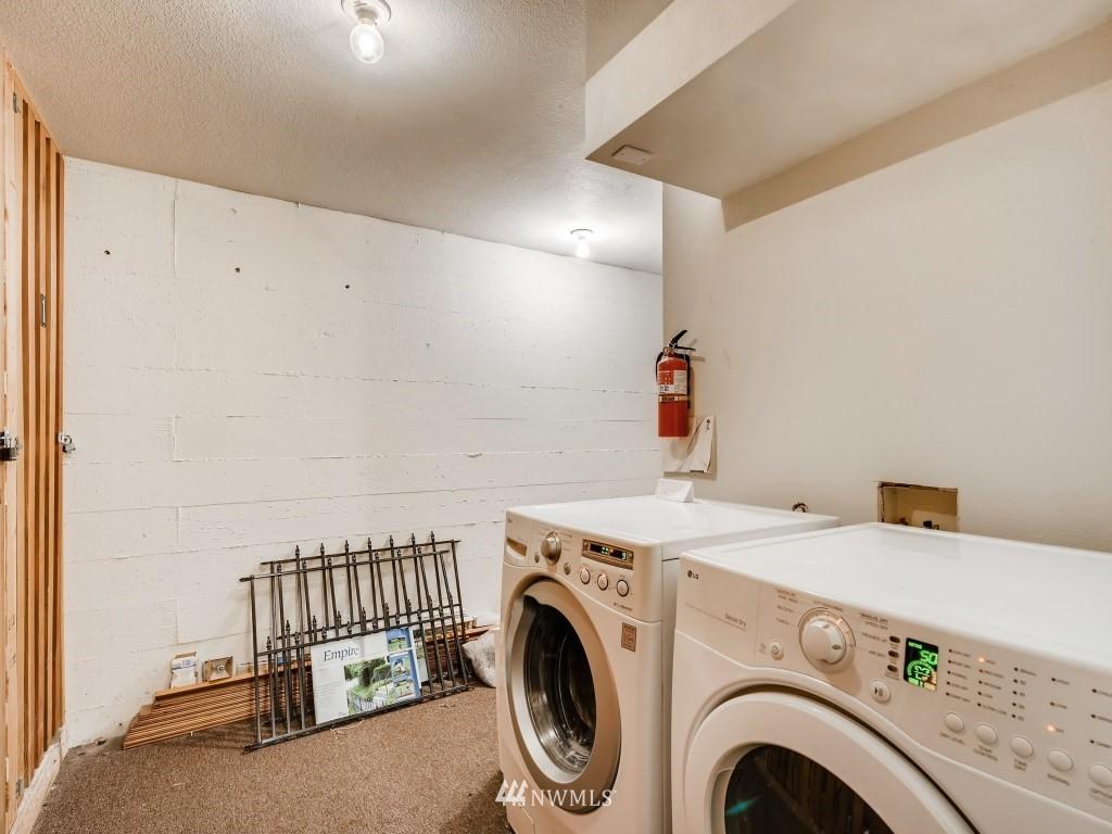 Sold Property   415 Summit Avenue E #2 Seattle, WA 98102 16