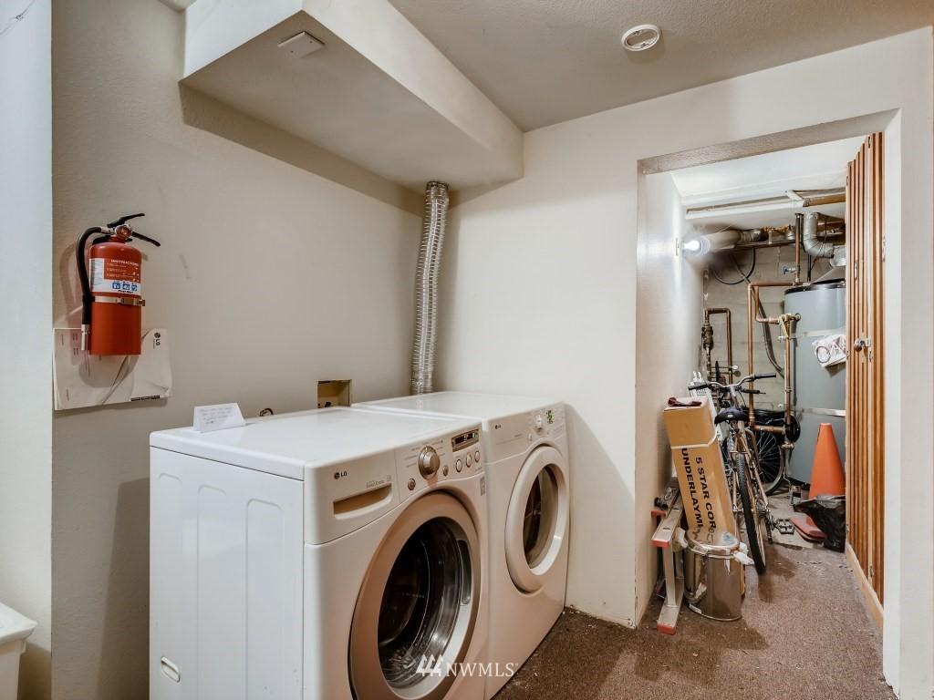 Sold Property   415 Summit Avenue E #2 Seattle, WA 98102 17