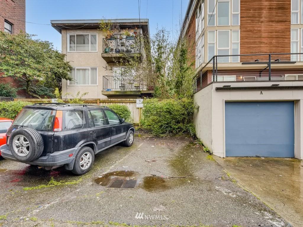 Sold Property   415 Summit Avenue E #2 Seattle, WA 98102 19