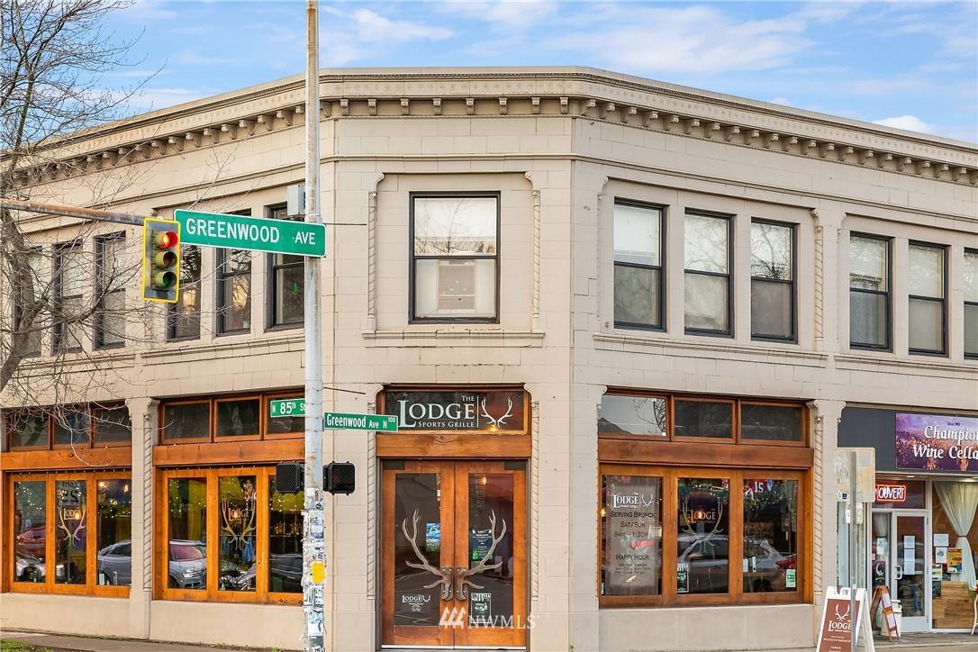 Sold Property | 9201 Linden Avenue N #E Seattle, WA 98103 25