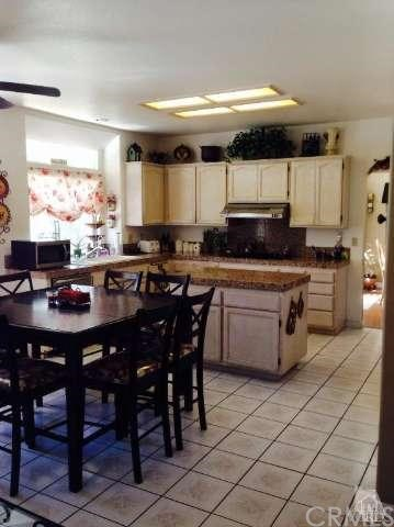 Closed   14512 Edgeview Place Canyon Country, CA 91387 5