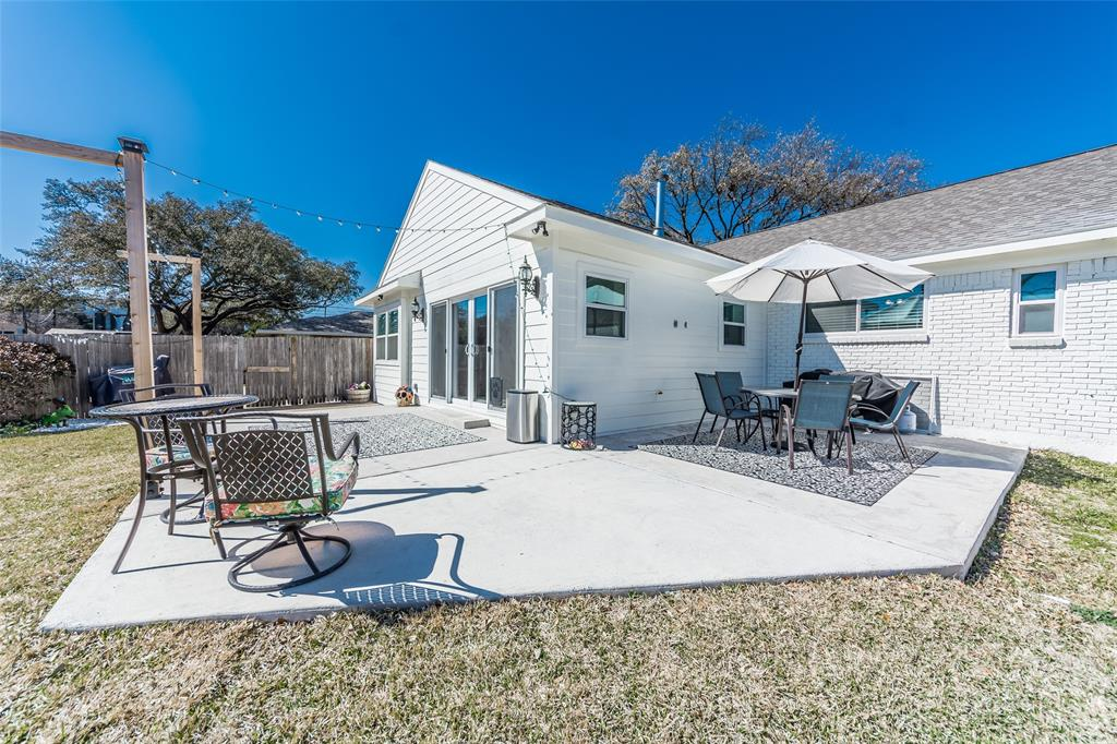 Pending   4218 Walnut Hill Lane Dallas, Texas 75229 33