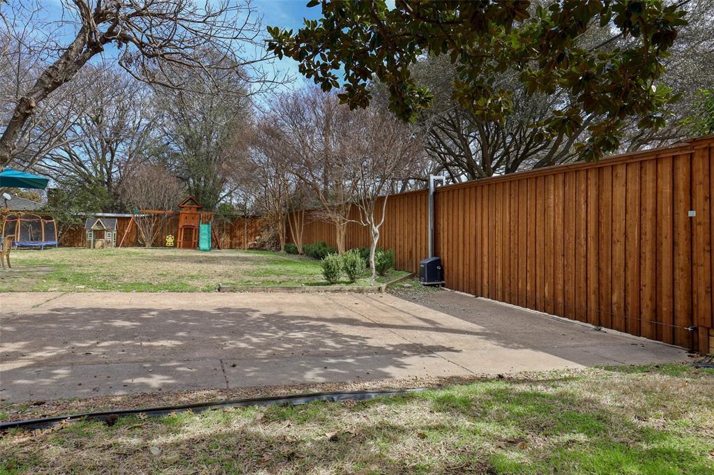 Pending   3314 Darbyshire Drive Dallas, Texas 75229 29