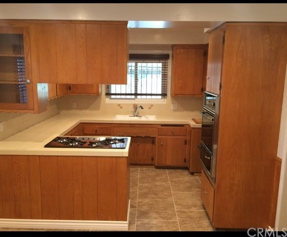 Active Under Contract | 11001 Firmona Avenue Inglewood, CA 90304 3