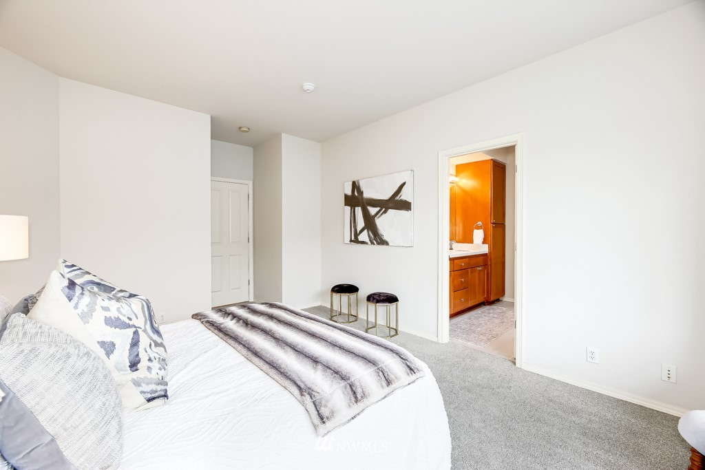 Sold Property | 6231 189th Pl NE #102 Redmond, WA 98052 9