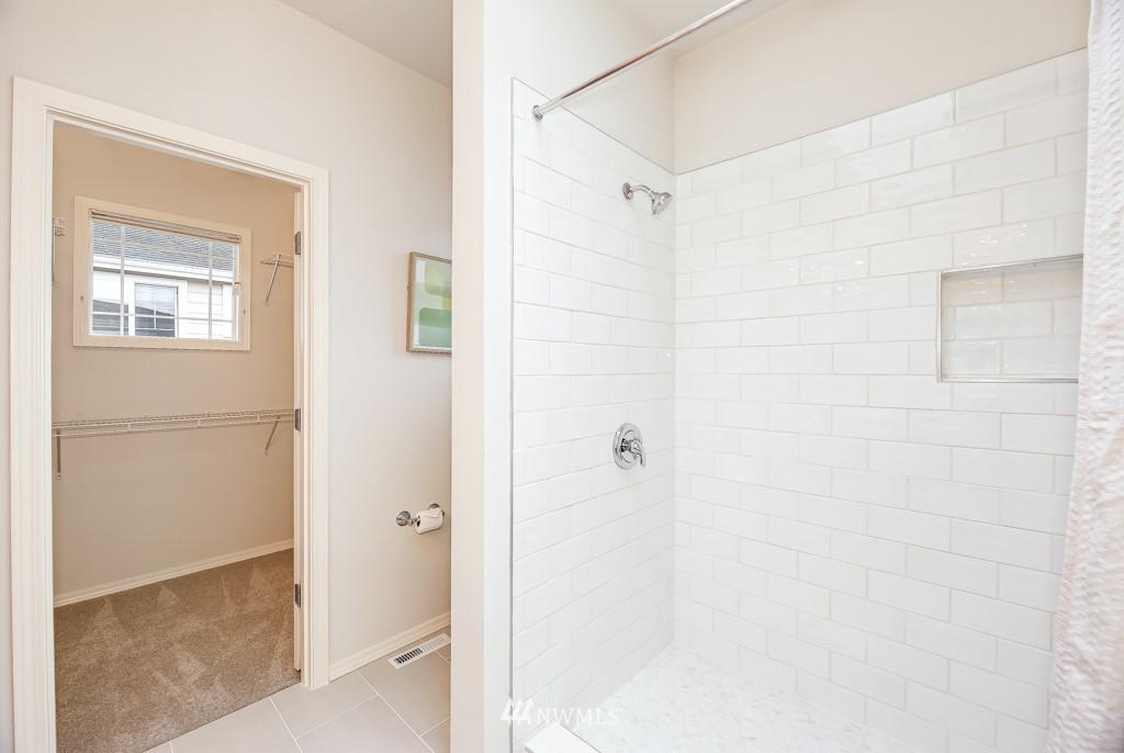 Sold Property | 6231 189th Pl NE #102 Redmond, WA 98052 11