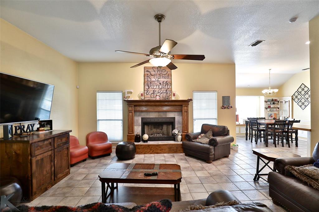 Sold Property | 6533 Todd Run Abilene, Texas 79606 2