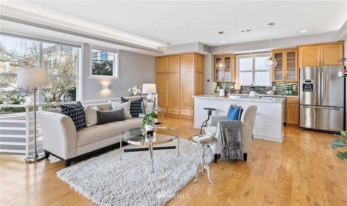 Sold Property | 2332 Yale Avenue E Seattle, WA 98102 3