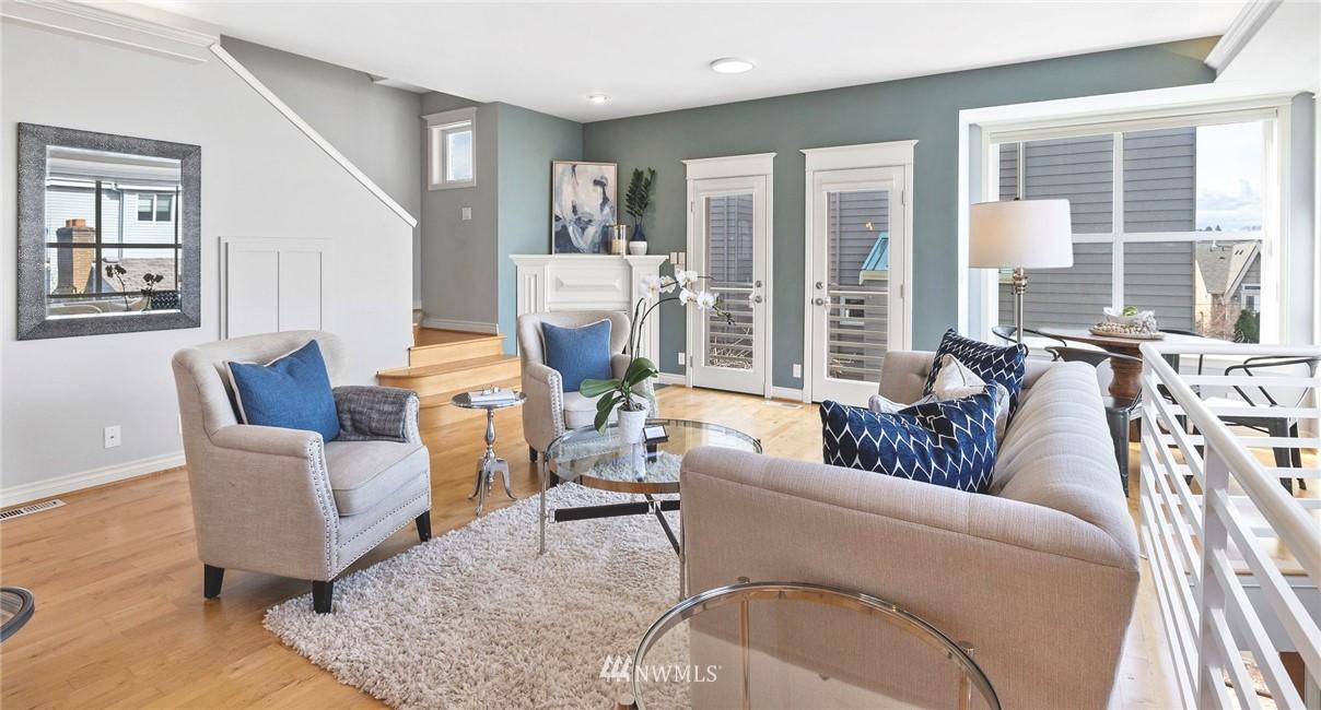 Sold Property | 2332 Yale Avenue E Seattle, WA 98102 4