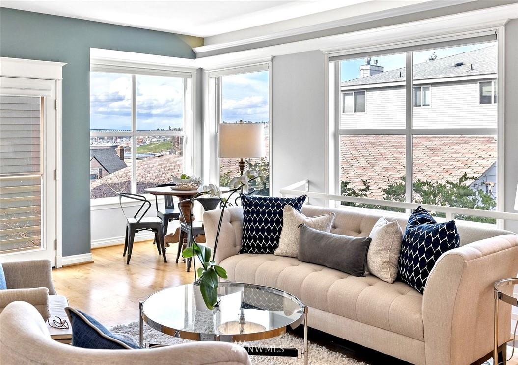 Sold Property | 2332 Yale Avenue E Seattle, WA 98102 5