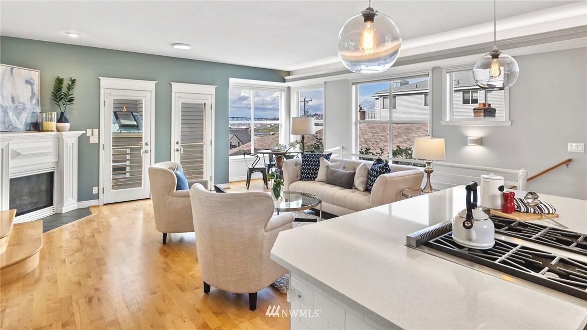 Sold Property | 2332 Yale Avenue E Seattle, WA 98102 7