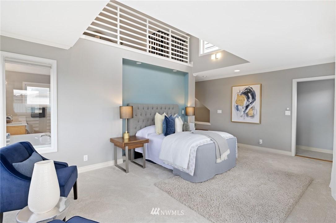 Sold Property | 2332 Yale Avenue E Seattle, WA 98102 10