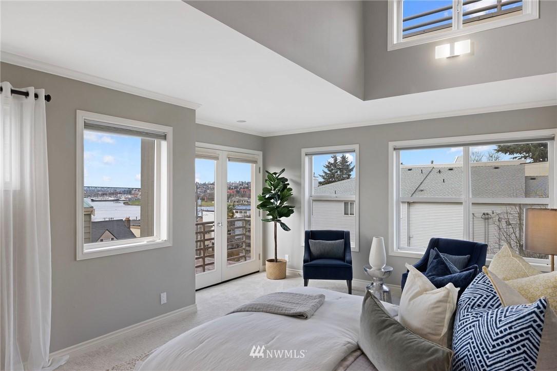 Sold Property | 2332 Yale Avenue E Seattle, WA 98102 11