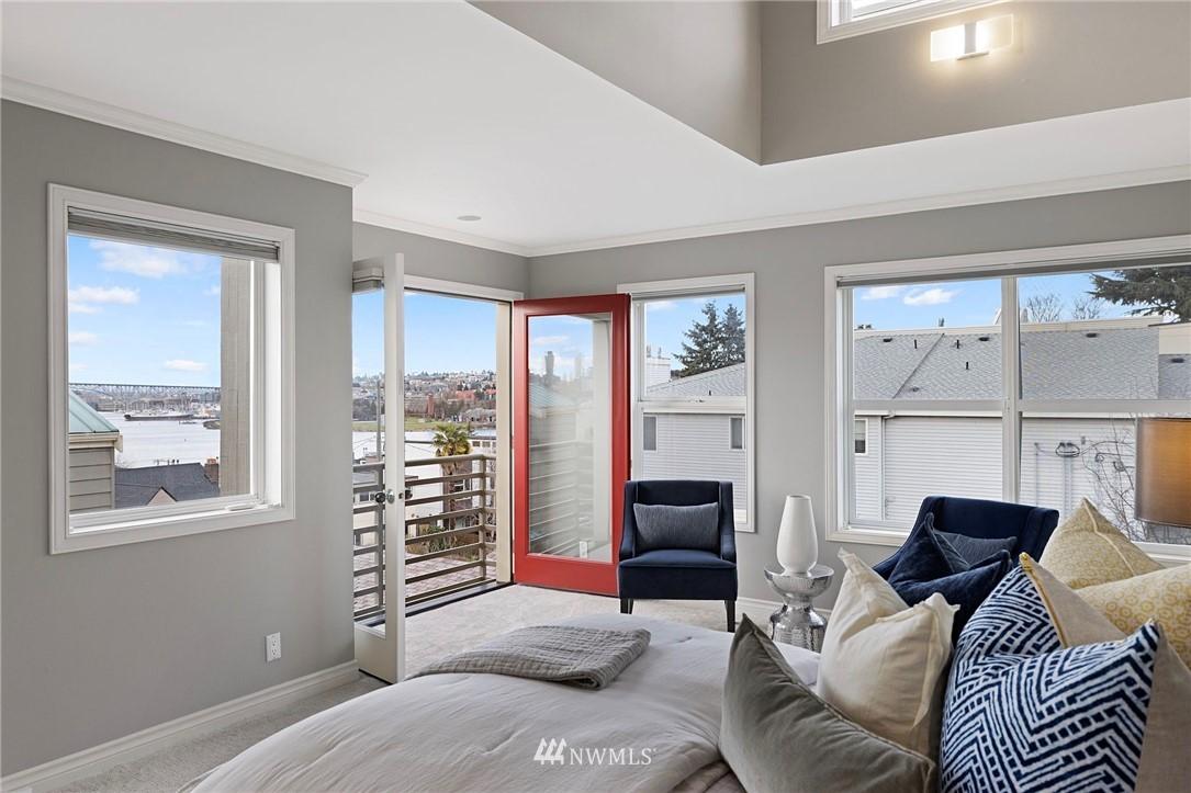 Sold Property | 2332 Yale Avenue E Seattle, WA 98102 12