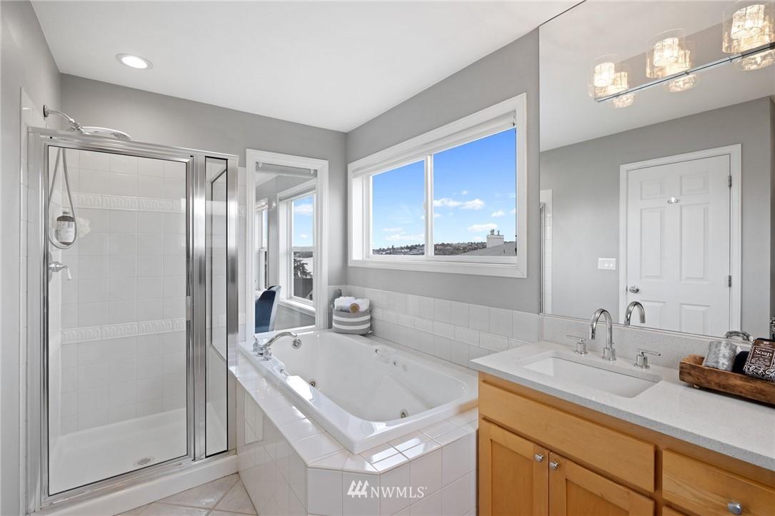 Sold Property | 2332 Yale Avenue E Seattle, WA 98102 14