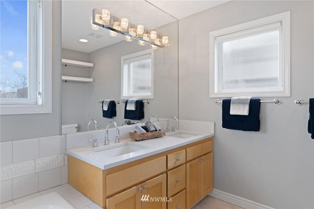 Sold Property | 2332 Yale Avenue E Seattle, WA 98102 16