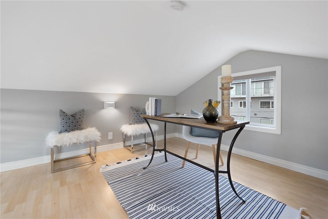 Sold Property | 2332 Yale Avenue E Seattle, WA 98102 17