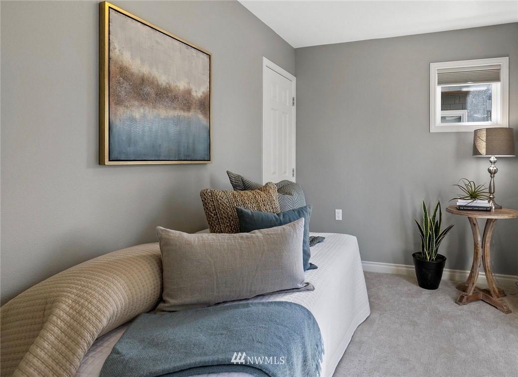 Sold Property | 2332 Yale Avenue E Seattle, WA 98102 24
