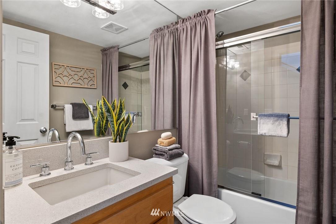 Sold Property | 2332 Yale Avenue E Seattle, WA 98102 25
