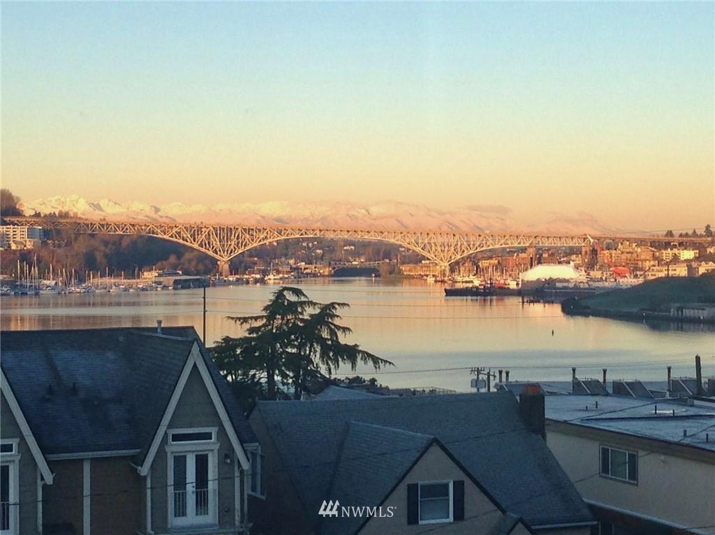 Sold Property | 2332 Yale Avenue E Seattle, WA 98102 27