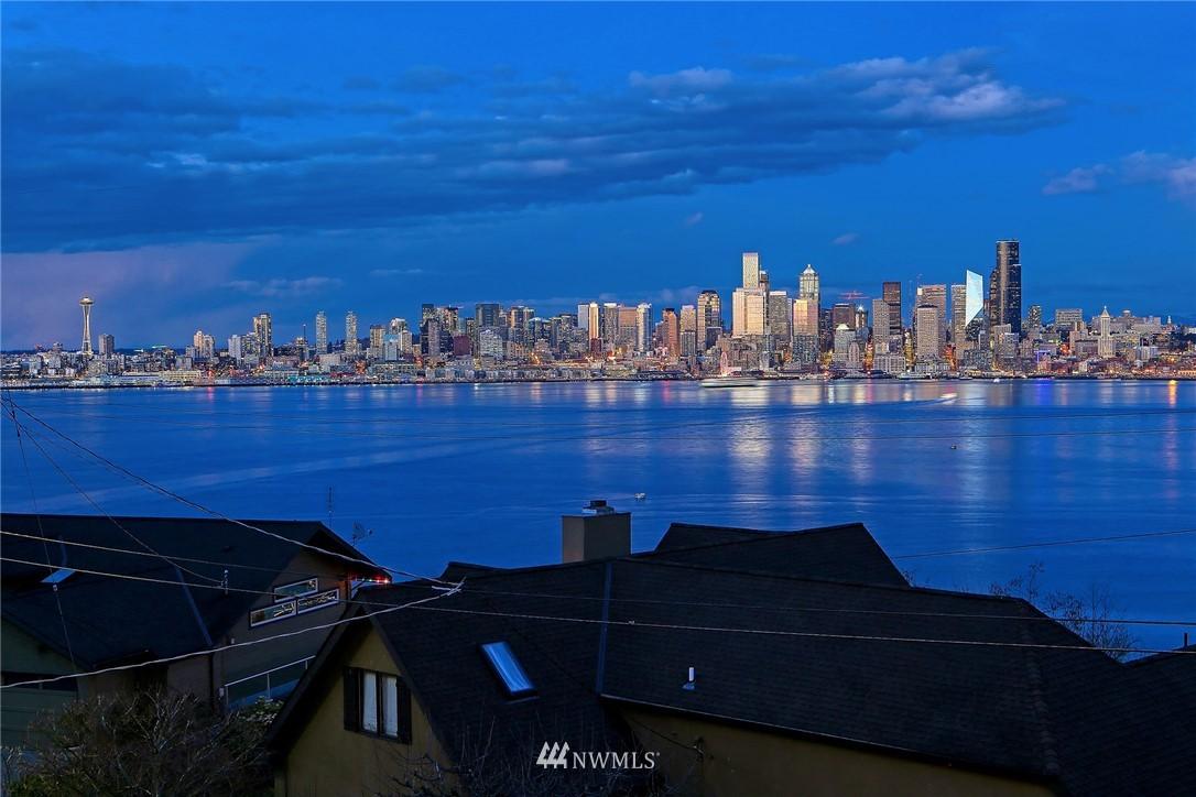 Active | 1913 Victoria Avenue SW Seattle, WA 98126 36