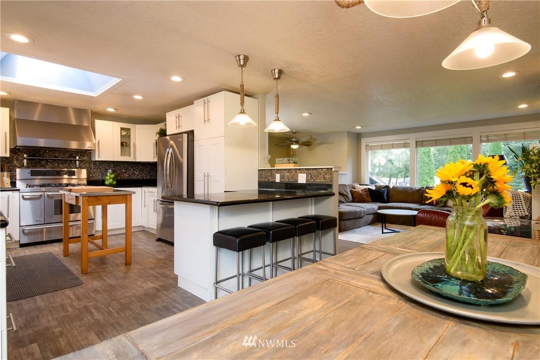 Sold Property | 15303 216th Avenue NE Woodinville, WA 98077 3