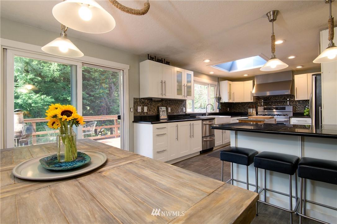 Sold Property | 15303 216th Avenue NE Woodinville, WA 98077 4
