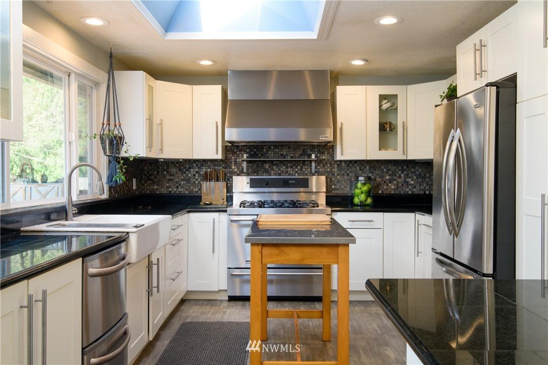 Sold Property | 15303 216th Avenue NE Woodinville, WA 98077 5