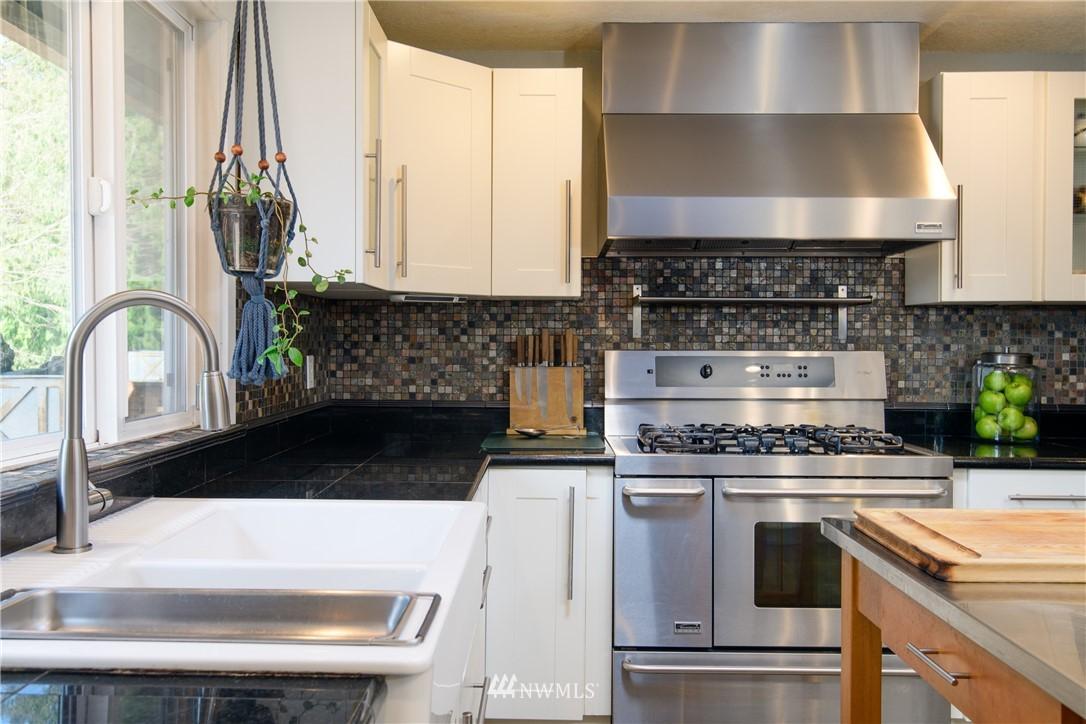 Sold Property | 15303 216th Avenue NE Woodinville, WA 98077 6