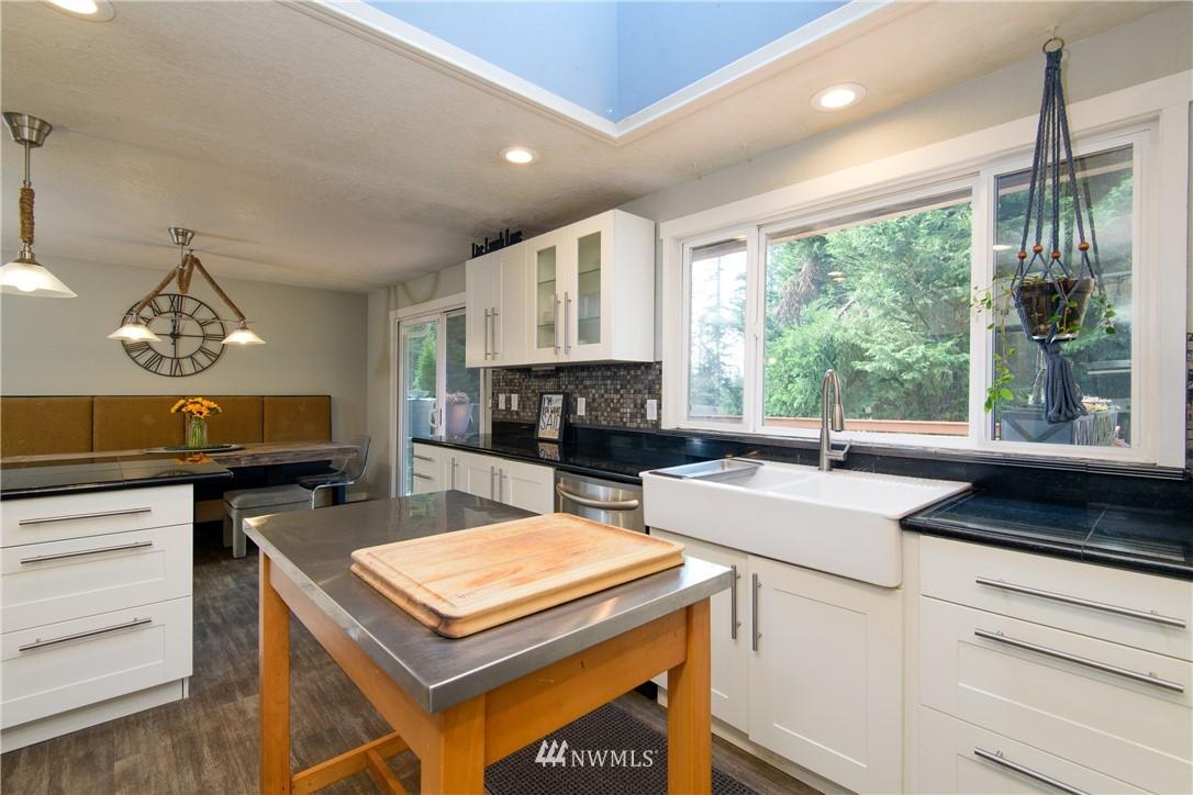 Sold Property | 15303 216th Avenue NE Woodinville, WA 98077 7