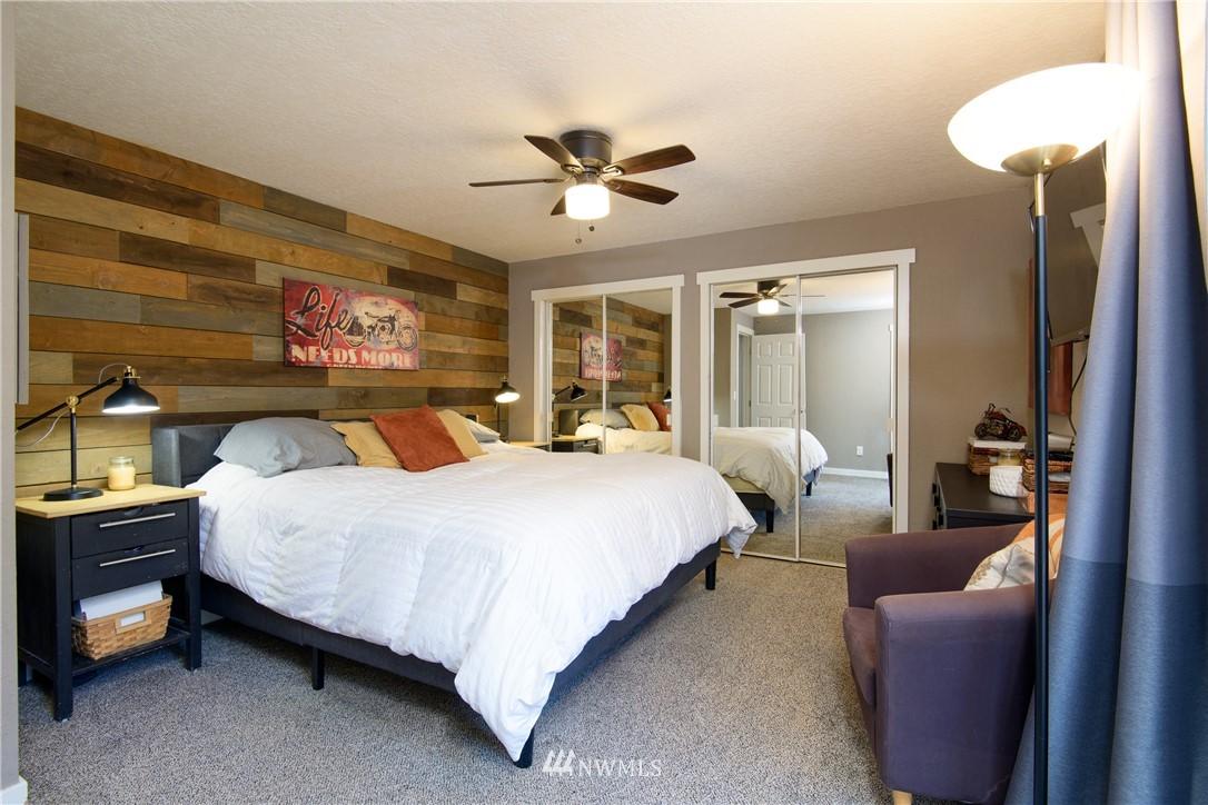 Sold Property | 15303 216th Avenue NE Woodinville, WA 98077 8