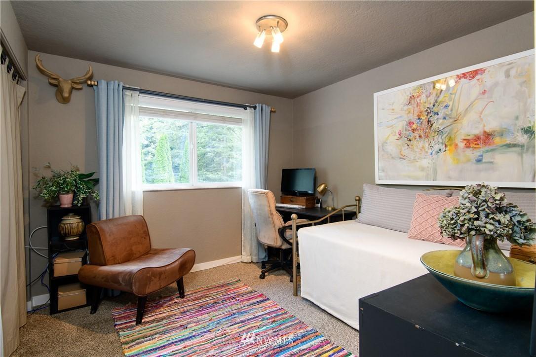Sold Property | 15303 216th Avenue NE Woodinville, WA 98077 10