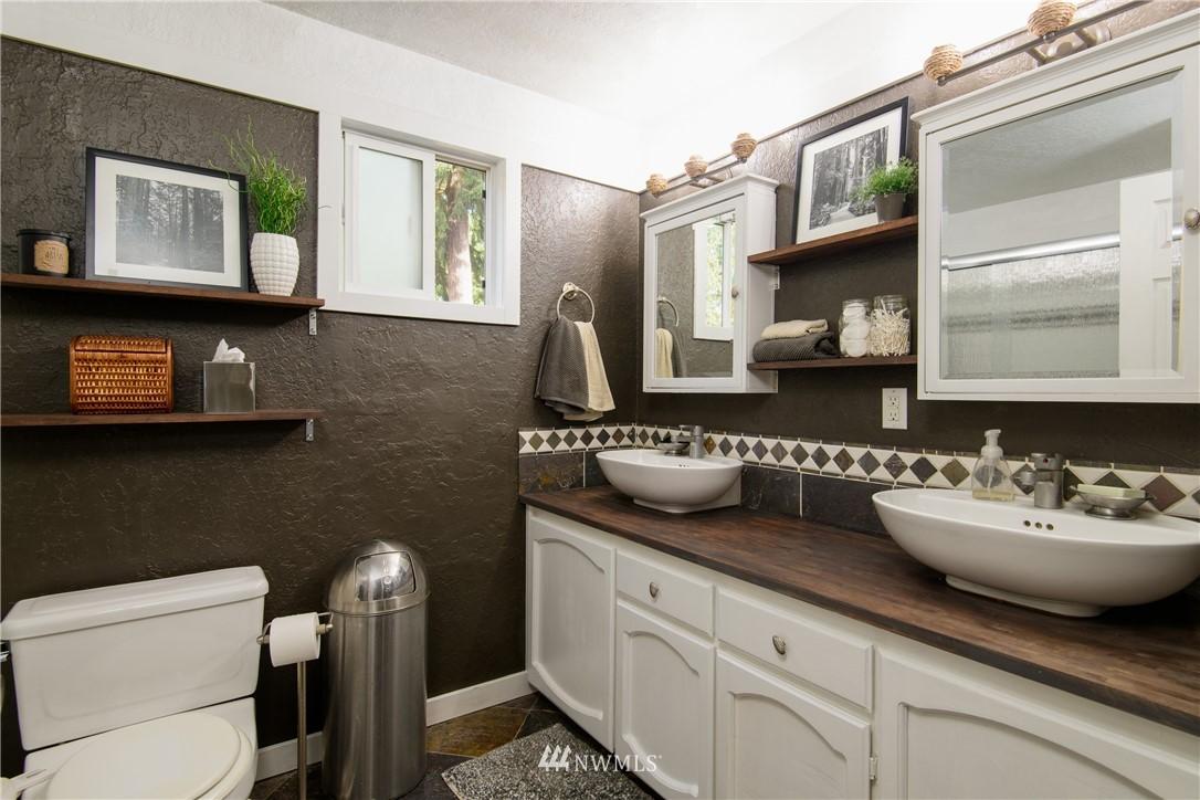 Sold Property | 15303 216th Avenue NE Woodinville, WA 98077 11
