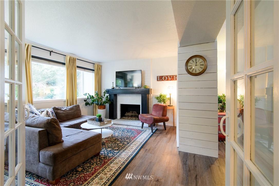 Sold Property | 15303 216th Avenue NE Woodinville, WA 98077 14