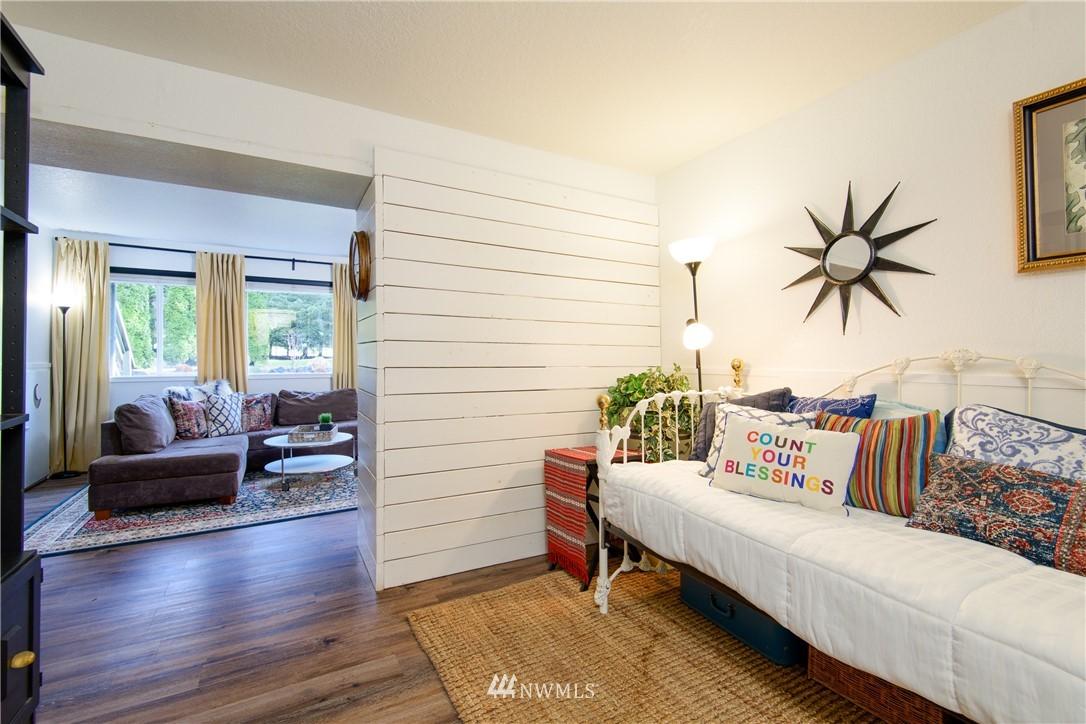 Sold Property | 15303 216th Avenue NE Woodinville, WA 98077 16
