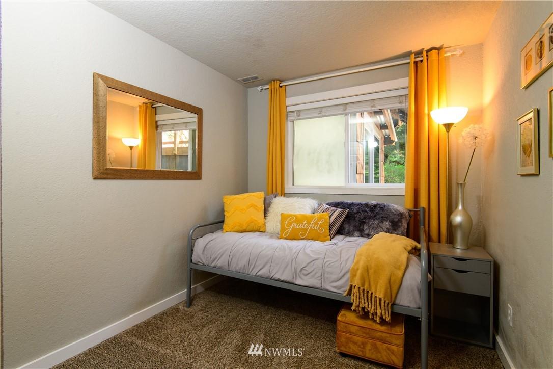 Sold Property | 15303 216th Avenue NE Woodinville, WA 98077 17