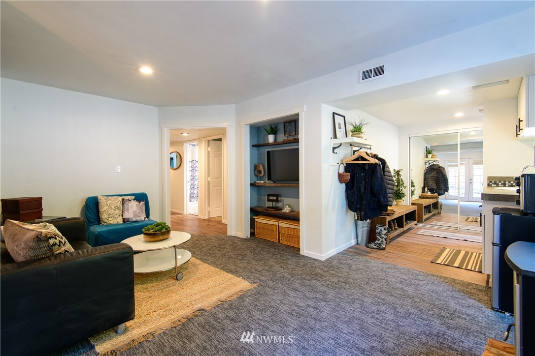 Sold Property | 15303 216th Avenue NE Woodinville, WA 98077 21