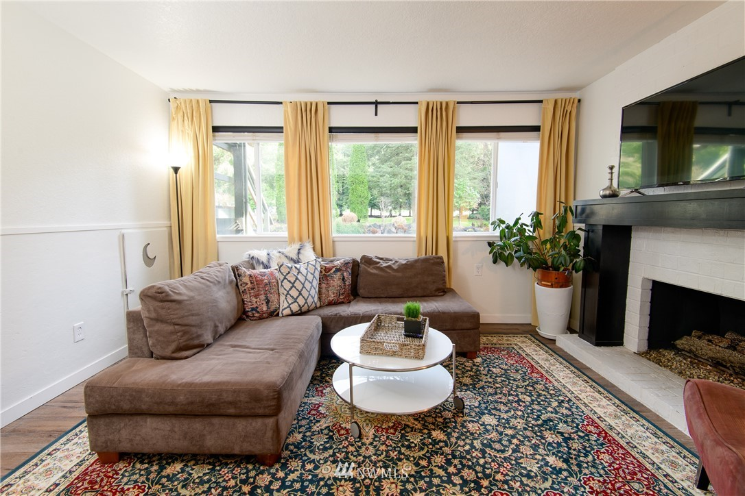 Sold Property | 15303 216th Avenue NE Woodinville, WA 98077 13