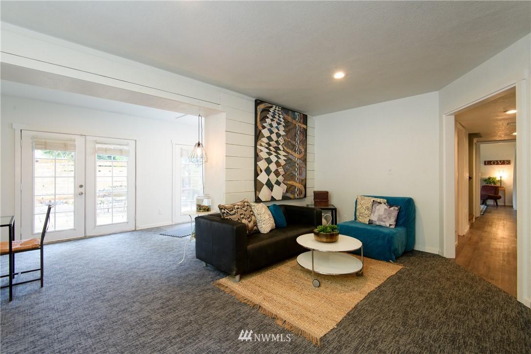 Sold Property | 15303 216th Avenue NE Woodinville, WA 98077 25