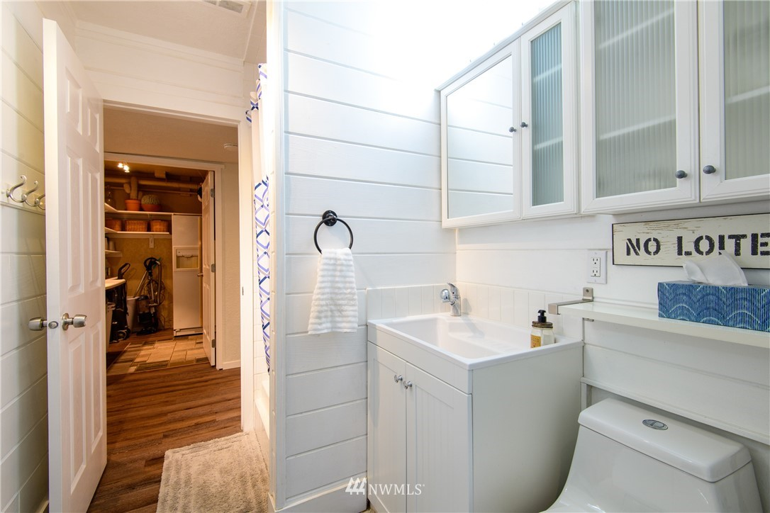 Sold Property | 15303 216th Avenue NE Woodinville, WA 98077 19