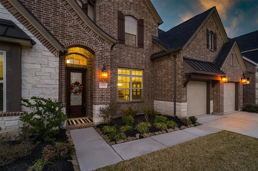Off Market   1509 Noble Way Court League City, Texas 77573 2