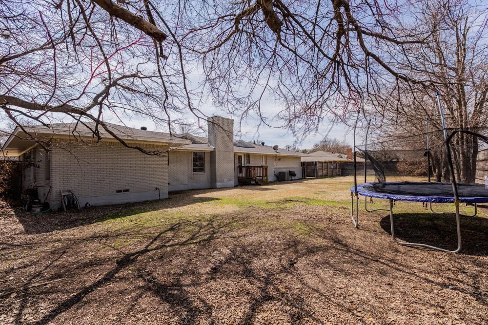Pending   5969 Elderwood Drive Dallas, Texas 75230 23
