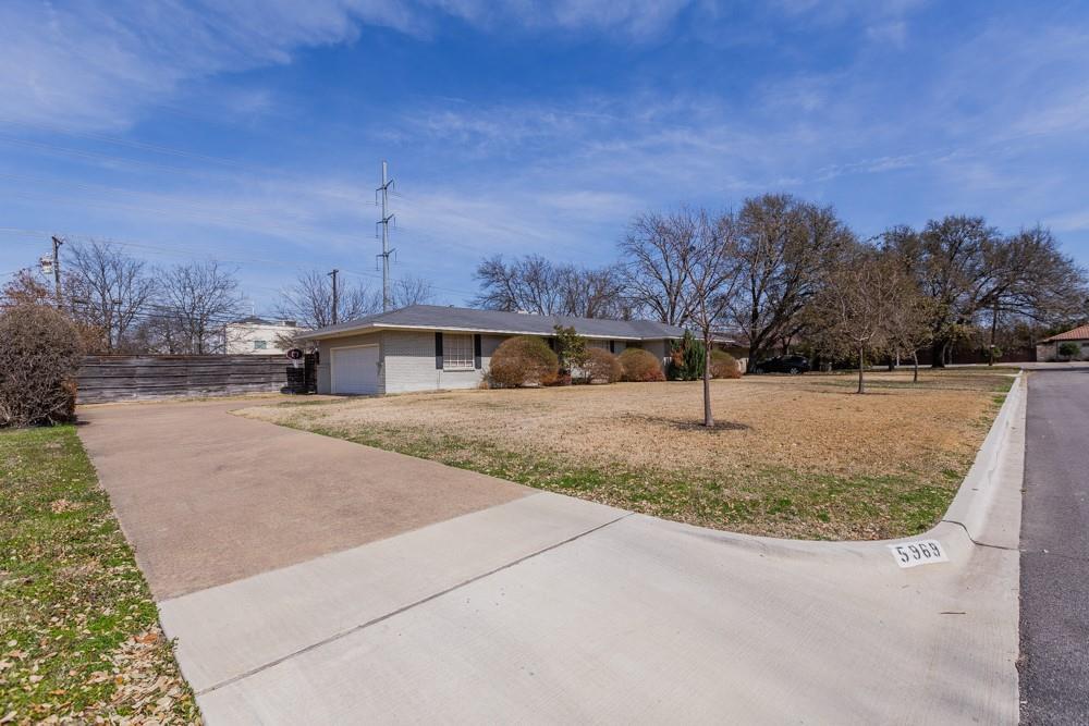 Pending   5969 Elderwood Drive Dallas, Texas 75230 27