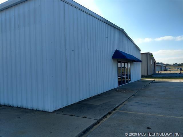 Off Market | 1125 N 2nd St Maip Street Pryor, Oklahoma 74361 2