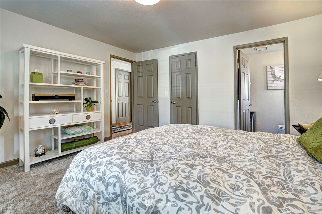 Sold Property   4134 32nd Avenue SW Seattle, WA 98126 2