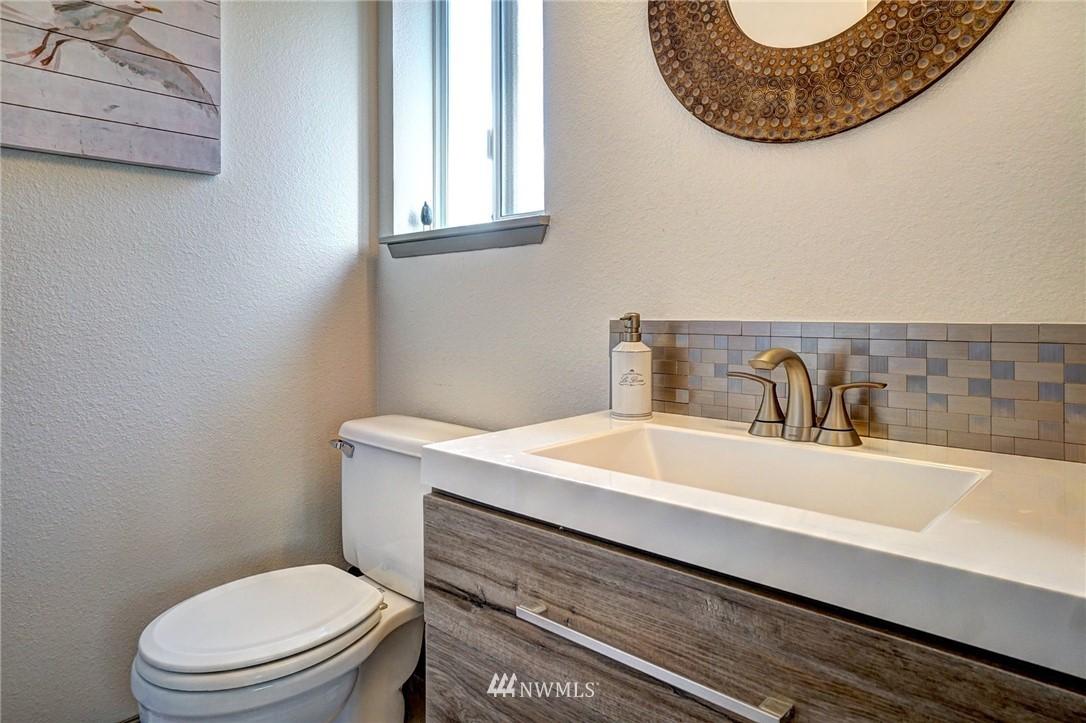 Sold Property   4134 32nd Avenue SW Seattle, WA 98126 3